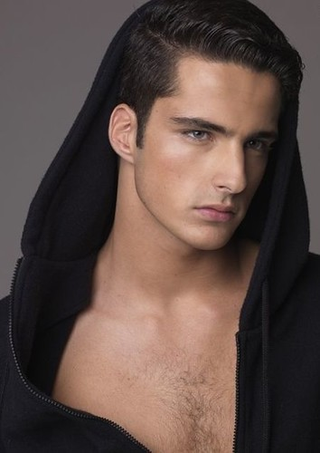 Janice Fronimakis0006_Ph Hudson Wright(Just Male Model)