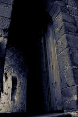 Dungeons Door (guailon79) Tags: door blue espaa castle miguel azul angel scott monocromo spain puerta heaven huesca sony rando abril ridleyscott young kingdom dungeon cielo terror aragon cielos alpha a200 miguelangel castillo gomez 2010 espaol videojuego tratamiento ridley pelcula monocolor castillodeloarre loarre aficionado reinodeloscielos mazmorra sonyalpha loarrecastle sonyalphaa200 turolense thekingdomofheavens calamochino miguelangelgomez miguelangelgomezrando