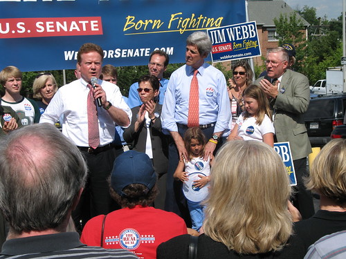 Webb with Kerry at rally 2006