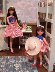 Happy 4th of July Sister's (Spicyfyre Creations) Tags: pink blue red white toys ooak bunkbed 4thofjuly mattel diorama tutti reroot vintageskipper ooakskipper rerootskipper bendleg bedroomdiorama childrensdiorama ppaktutti reroottutti bendlegskipper