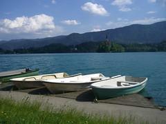 BLED 25-05-2011 (CLAUDIO 49) Tags: verde lago fiume barche slovenia bled sentiero acqua veduta isola santuario cascate scalinata smeraldo vintgar gole radovljica
