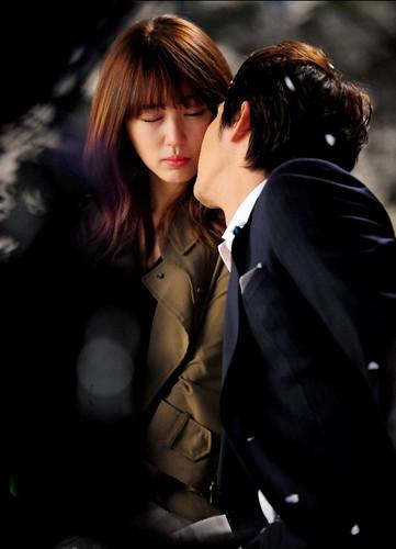Kang Ji Hwan Cherry Heudeureojin Magical Night Kiss 3