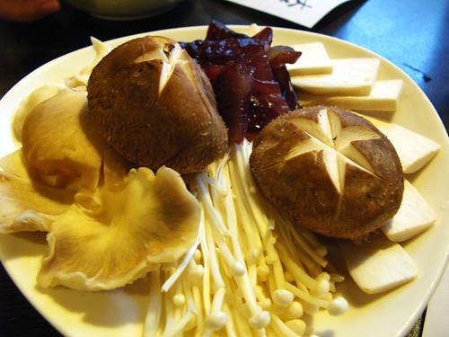 小肥牛蒙古鍋 綜合菇盤
