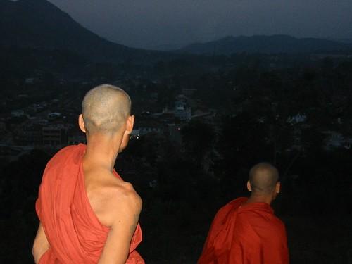 Monniken boven op de berg