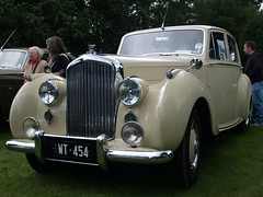Bentley Saloon Cars (imagetaker!) Tags: carimages oldcars ukcars autos rides imagetaker1 bentleysalooncar classicautos carphotoimages flickrcarphotos classiccarshows carshows englishclassictransport englishclassiccarshows britishtransportimages peterbarker petebarker transportimages motorcarimages motorimages transportphotos transportpictures transportphotography carphotos classiccars carpictures wheels bentleysalooncars vehículosclásicos harewoodhousecarshows britishcarshows picturesofcars worldcars worldofcars carsoftheworld fotosofcars fotosofmotorcars motorcarfotos carfotos imagesinlife imagetaker 老爺車 經典機動車 autocars englishtransportshows oldtimers peteb classicautomobiles carphotography classicvehicles classicmotors photographsofcars cars automobiles photosofcars