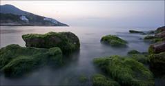 Amaneciendo (Zac) Tags: sea water mar agua rocks zac calma rocas calme ricard