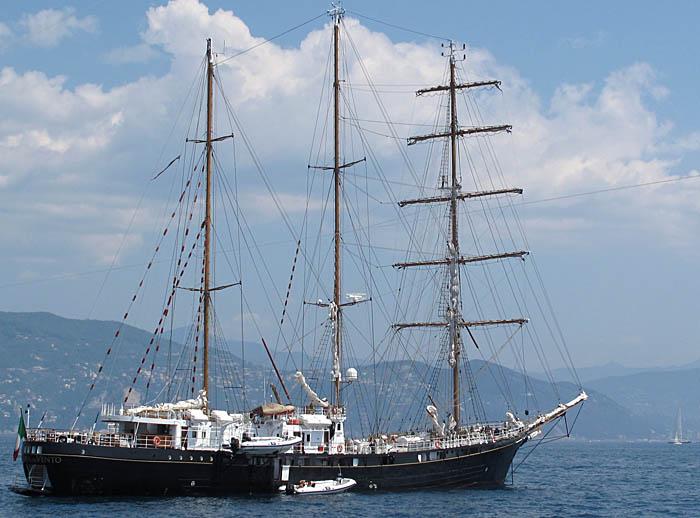 a-sail-ship-3104