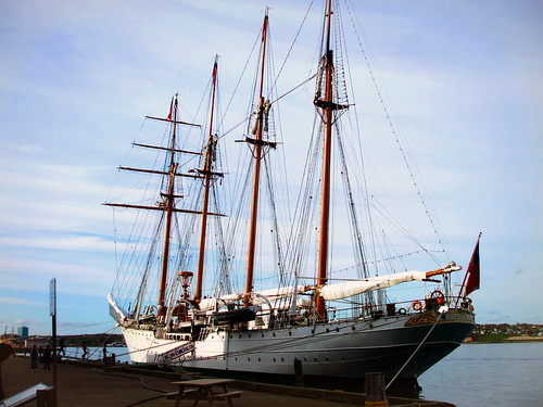 Tall Ship Esmeralda (BE-43)