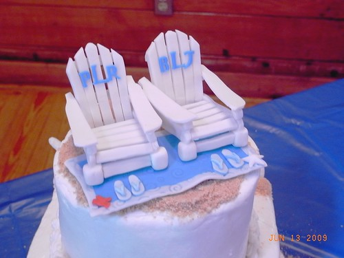 Beach chair cake topper