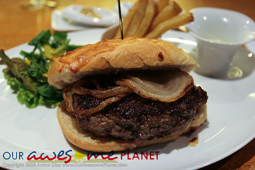 Lusso's Foie Gras Burger-4