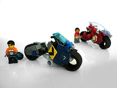 Racing Superbikes (Pierre E Fieschi) Tags: scale bike race lego racing minifig xg superbikes speederbike xg2