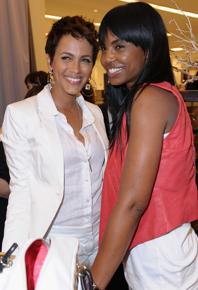 kimporterdaily.blogspot.com  Kim Porter And Nicole Ari Parker attend a personal appearance by Simone I. Smith at Bloomingdale's on May 12, 2011 in Century City, California.