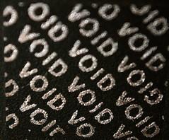 Anglų lietuvių žodynas. Žodis warranty reiškia n  pateisinimas 2 kom. garantija; a 12-month warranty 12 mėnesių garantija 3 teis. išlyga, sąlyga 4 tech. priėmimo techninis bandymas (t. p. warranty test) lietuviškai.