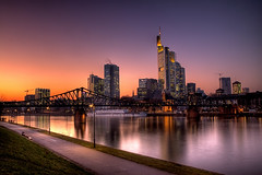 Frankfurt Skyline HDR ( rednaxela_west) Tags: bridge skyline night river frankfurt main clear brcke hdr mainhatten schaumainkai flus flickrsbest aplusphoto alemdagqualityonlyclub