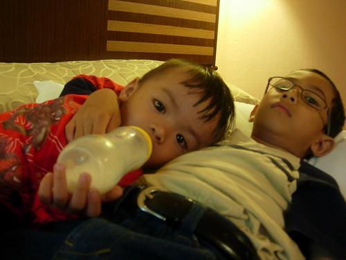 Di bilik hotel