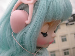 heart station (jentutu) Tags: music toy doll rice wind cloudy blow sugar sally collection friendly blythe freckles miss mag headphone listen rbl