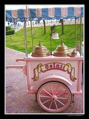 il carretto dei gelati.... (FIORASO GIAMPIETRO ITALY....) Tags: travel venice europe venezia viaggio vacanza veneto caorle supershot fioraso fiorasogiampietro