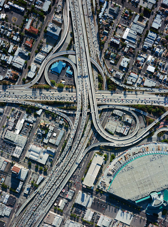 traffic in Los Angeles (by: Benny Chan via Good magazine))