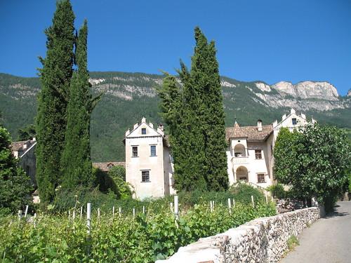 Ansitz Zinnenburg in Pauls Berg oberhalb des Windorfes St. Pauls