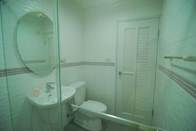 浴室-裡面拍