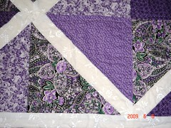 2007 Mom's quilt (noelle's corner) Tags: white green hand purple quilt made lattice