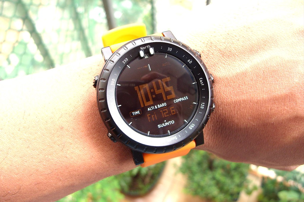 Suunto CORE - Black/Orange - Adventure Gadget