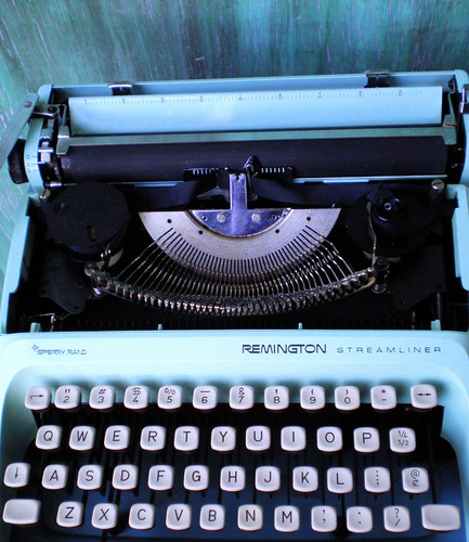 Robin's Egg Blue Manual Typewriter by Remington (3)