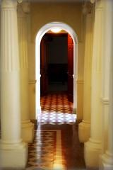 Puerta de luz (Drogdon) Tags: door light luz mexico hope puerta hallway linares nuevoleon pasillo esperanza abril2010 casinodelinares