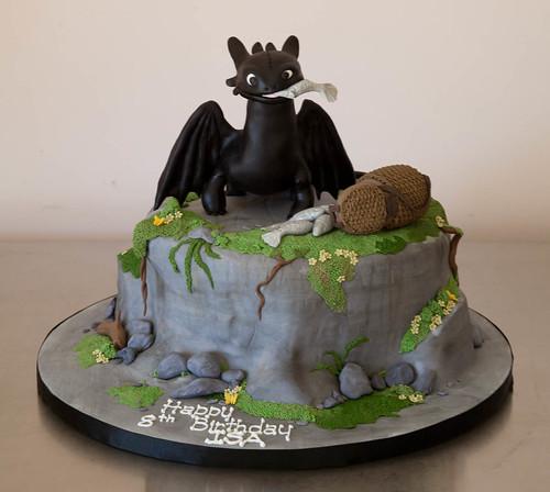 Isa's Toothless / Night Fury Cake