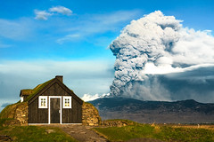 Eyjafjallajkull (Inglfur B) Tags: hot nature landscape volcano photo iceland force earth smoke picture atmosphere glacier trouble highland ashes eruption mynd ashe ogni eyjafjallajkull volcaniceruption eldgos inglfur  volcanoashes