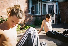Julian and Simon (Jack Taylor Bleasdale) Tags: winter film breakfast yard back fuji with riva minolta some chilling 400 catching late rays af35