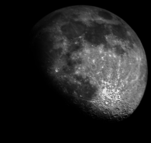 Moon 1-06-09 HDR