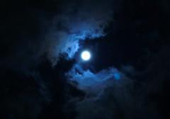 Vampire (Muzu) Tags: sky night vampire loveit