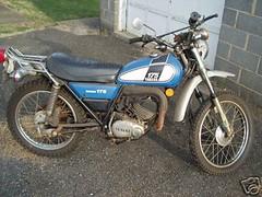 1975.Yamaha.Enduro.DT-175-01 (xxmachonexx) Tags: yamaha dt 175 twostroke enduro dualpurpose dt175 twocycle
