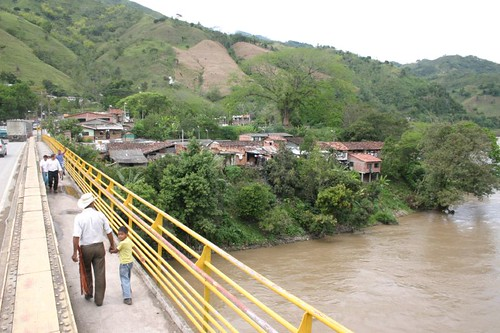Crossing the Río Cauca at 400 m.a.s.