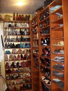 How to build a Walk in Closet - Wardrobe Storage and Closet