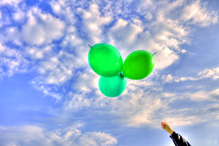 Up (esinuhe69) Tags: blue sky white verde green up clouds balloons nuvole hand arm blu air balloon flight azure volo cielo mano su azzurro bianco soe daria aria celestial palloncini celeste braccio palloncino the4elements aplusphoto platinumheartaward esinuhe69 oltusfotos