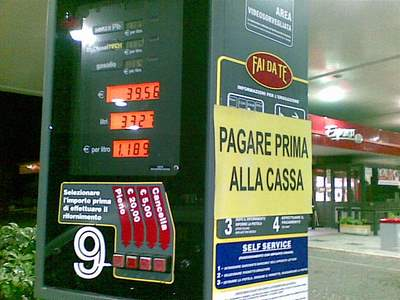 Italy: pay at the cashier first