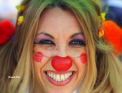 ... missione sorriso (FranK.Dip) Tags: woman smile happy donna clown smiles occhi donne sorriso colori brindisi sorrisi solare sorridente bookfotografico bookfotografici frankdip memorycornerportraits lagentecheincontro ritrattididonna