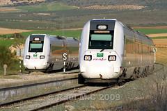 598s en Piñar. (Maky_Heavy) Tags: tren media via granada caf cruce distancia renfe automotor regionales 598 r598 piñar
