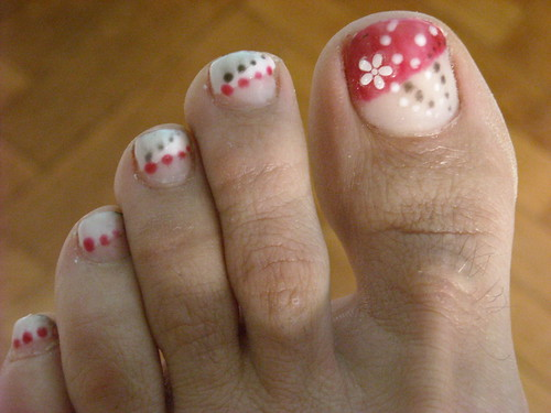 flower designs for nails. Flowers and dots Nails design