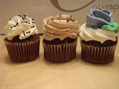 Cupcake trio, side view