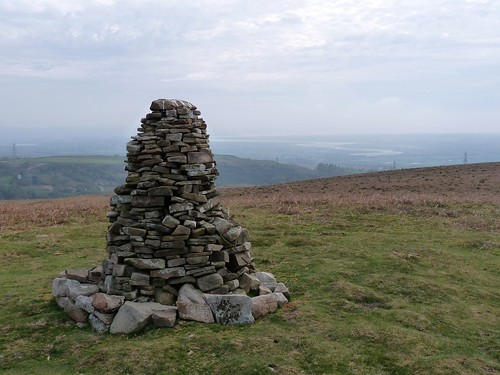 12407 - Peters Cairn, Cefn Drum