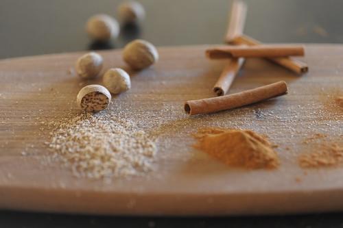 Nutmeg vs. Cinnamon