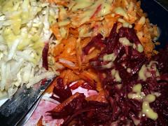 Persillerod, gulerod og rødbede med vinaigrette