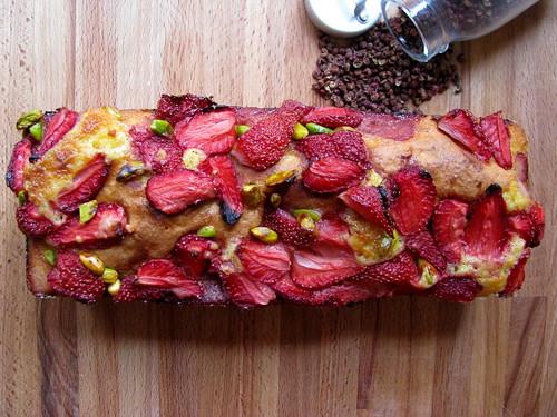 Cake con fragole, pistacchi e pepe di Sichuan