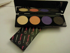 Hello Kitty & M.A.C (anhknee) Tags: cute mac hellokitty makeup eyeshadow limited luckytom samsungbehold
