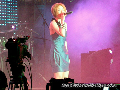 Shi Xin Hui on stage