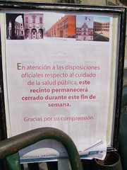 Museum & schools are closed (Guillaume Millet) Tags: mexico closed government swine flu influenza zocalo porcine gobierno grippe pandemia epidemie