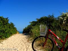 Bike and sky! (chrystopher) Tags: ocean sky praia beach bike bicycle brasil mar bicicleta paisagem cu portobelo santacatarina oceano zimbros diaadiabrasileiro
